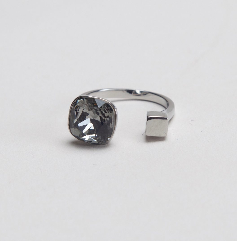 ns black diamond 01